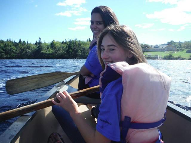 """Canoeing im """"Orientation Camp"""" (Einführung und Vorbereitung auf den Austausch im Gastland)"""